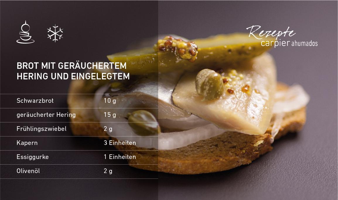 Brot mit geräuchertem Hering und Eingelegtem
